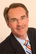 2015-08 Prof. Fischbach